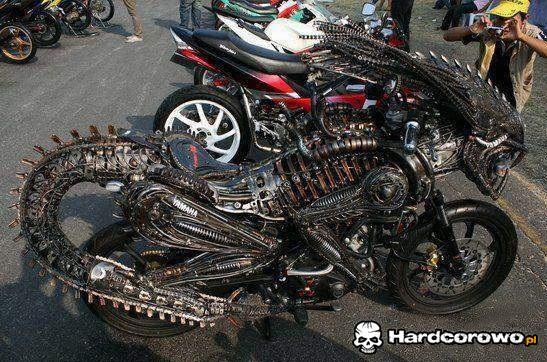 Motor Predatora - 1