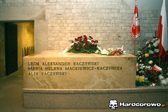 Świętej pamięci Alik pochowany na Wawelu! - 1