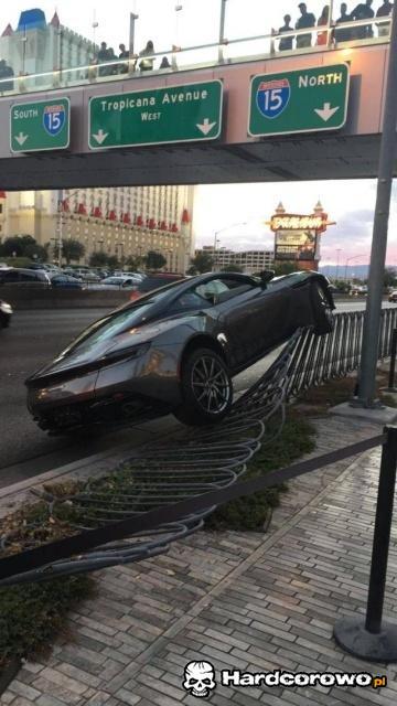 Zaparkował - 1