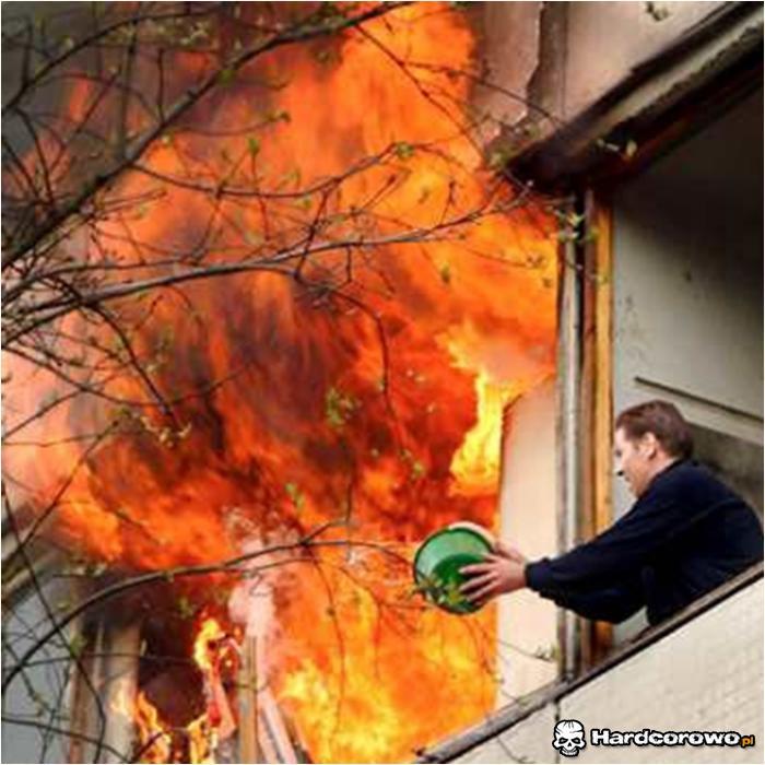 Fachowe gaszenie pożaru - 1