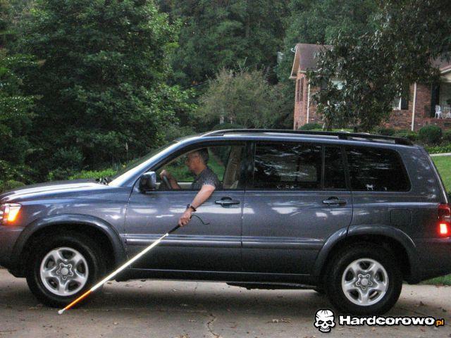 Niewidomy kierowca - 1