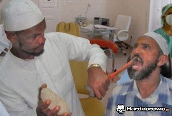 Ciapaty dentysta - 1
