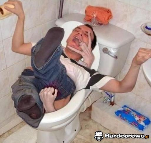 Gwałt toalety - 1