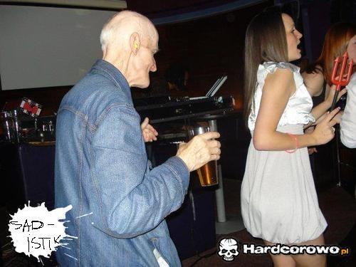 Stary człowiek i może - 1