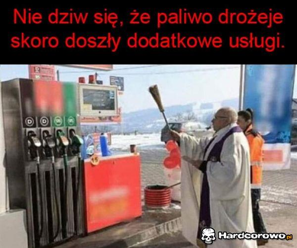 Nowe usługi na stacjach paliw - 1